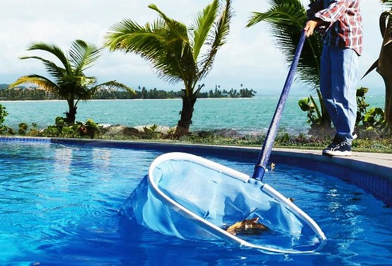Calabasas Pool Cleaning and Maintenance