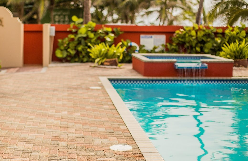 Choosing the #1 Pool Cleaning Service in Oak Park