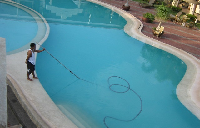 DIY Pool Cleaning