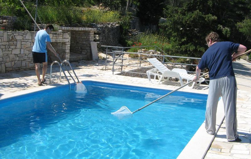 Manual Pool Cleaning
