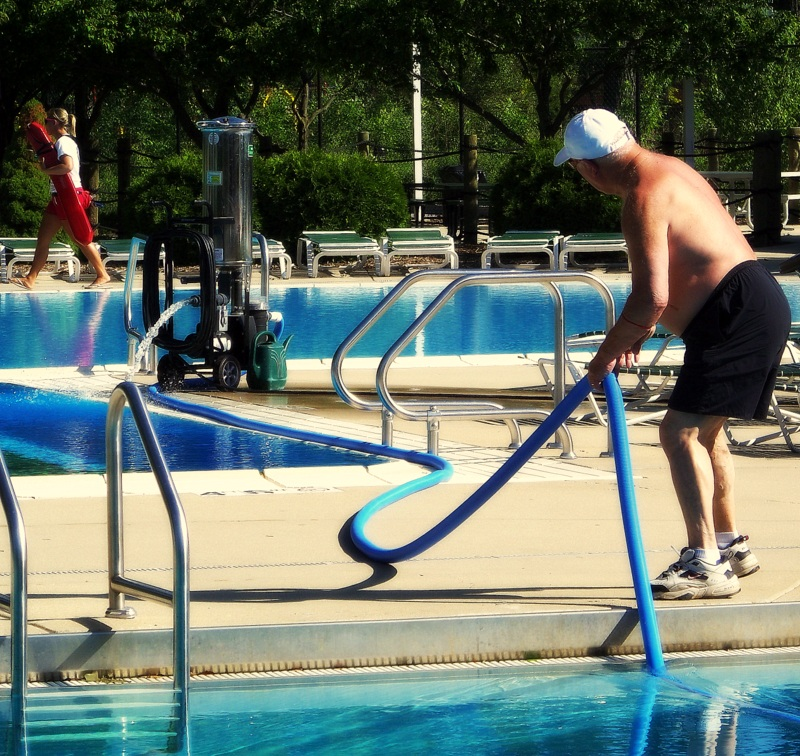 The Right Pool Cleaning Service for You