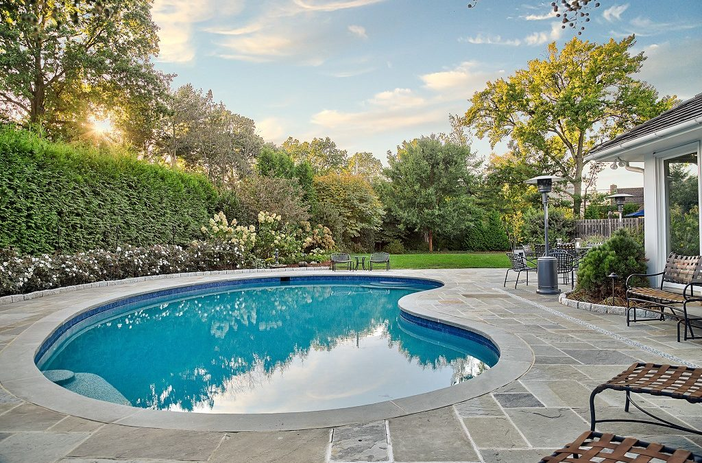 Top Tips to Find the Best Pool Cleaning Service in Calabasas
