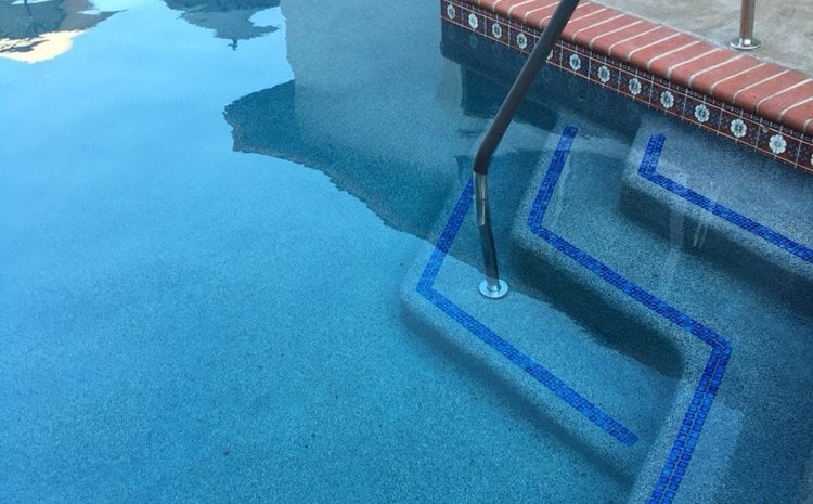 Look for a Pool Contractor who Offers Warranty