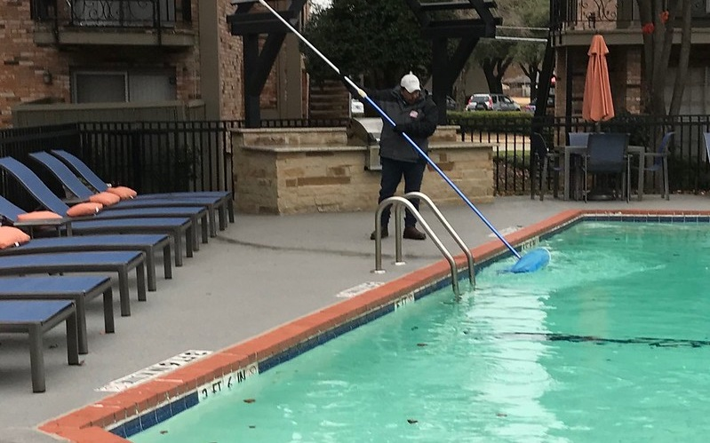 Look for a Reputable Pool Contractor